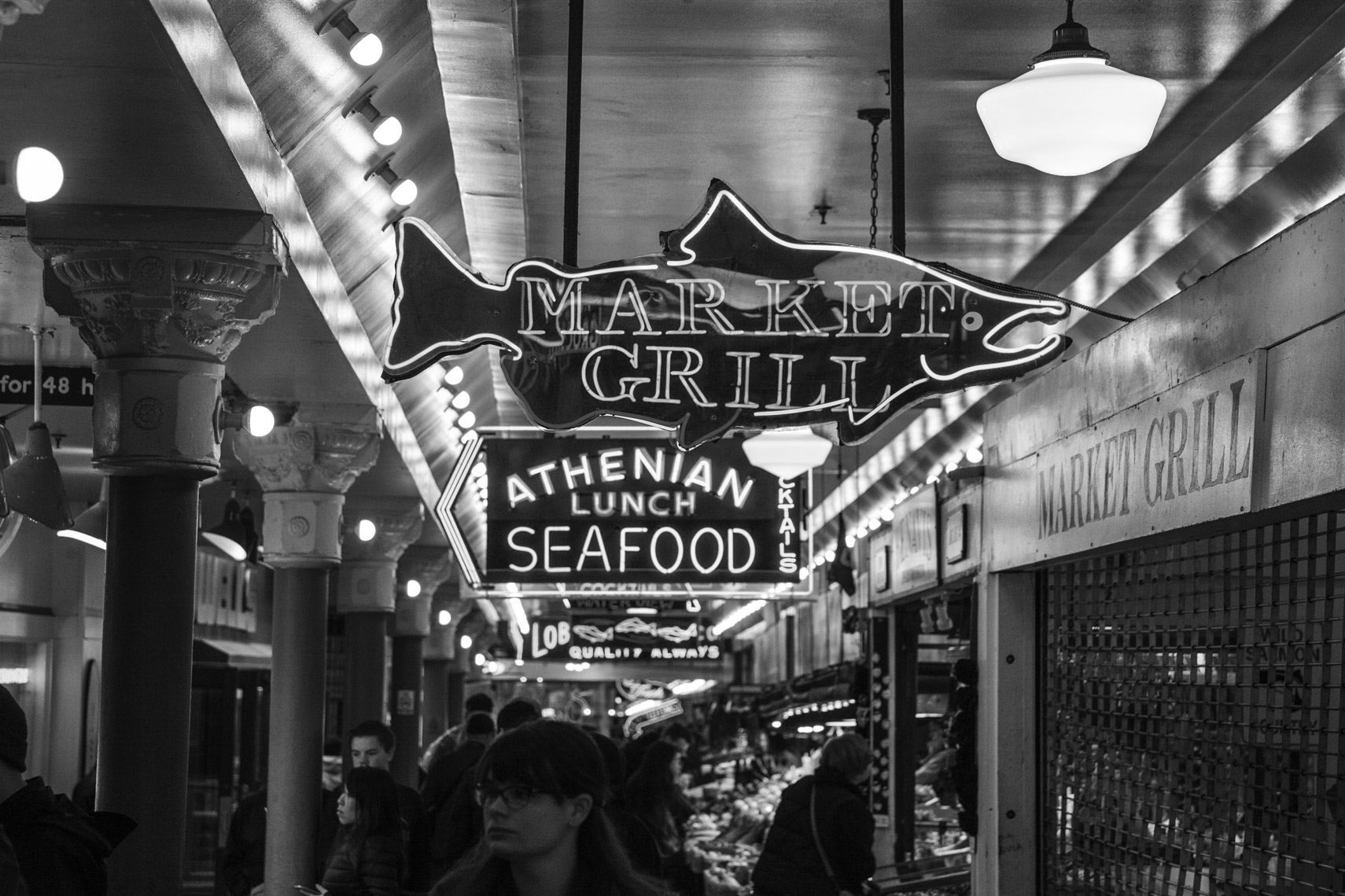 Christopher Nelson Photography|Fiat 500x|Seattle|Pike Place Market|B&W
