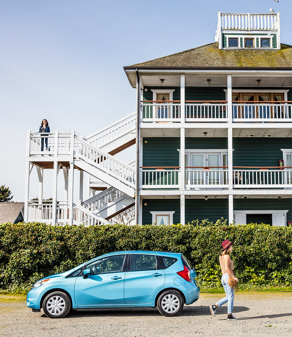 Christopher Nelson Photography|Nissan Versa|Blue|Seattle