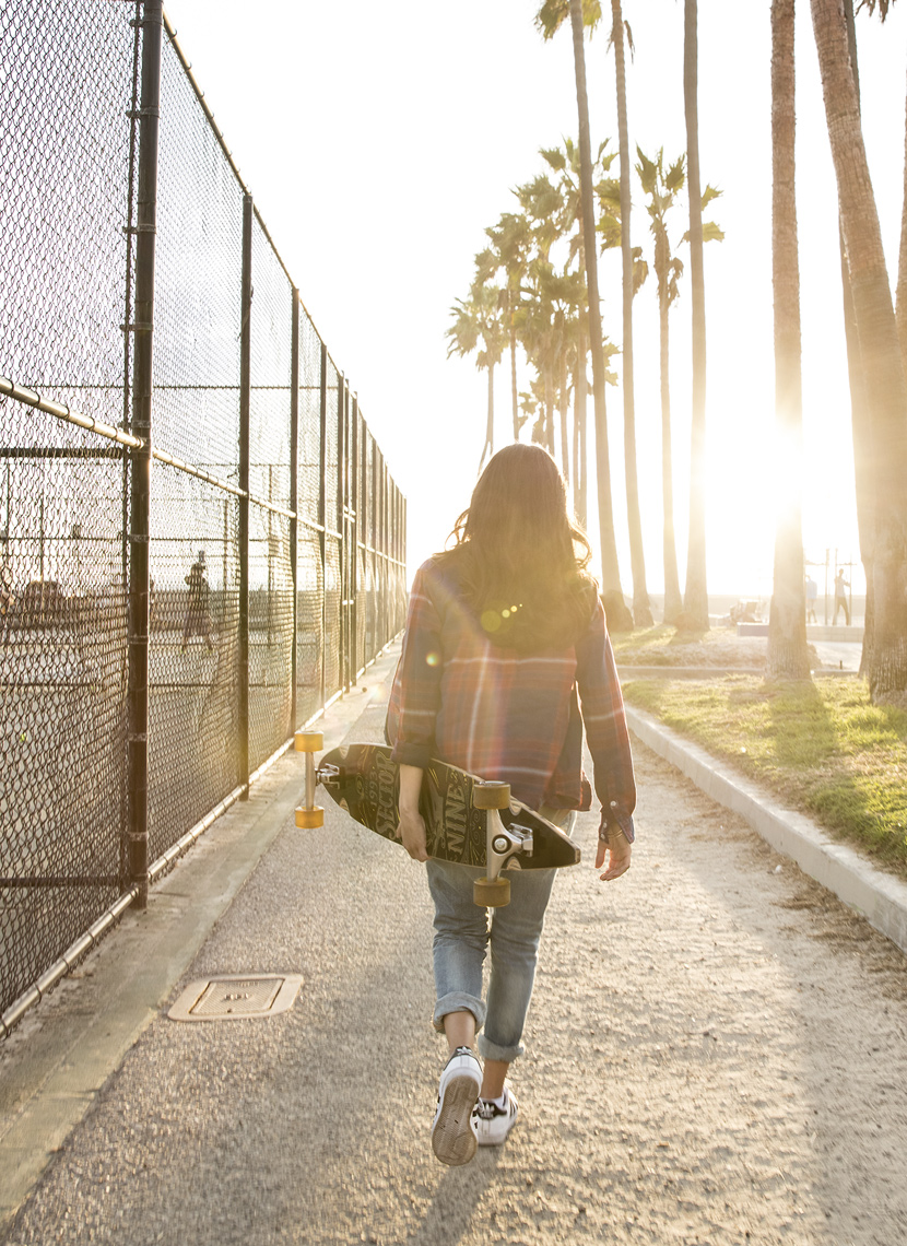 Christopher Nelson Photography|BMWi3|Lifestyle|Venice Beach|Skater Girl